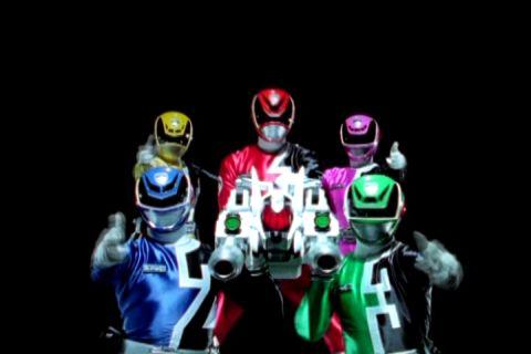 Toei escala Power Rangers: SPD para ir ao ar no  Japão SPD456