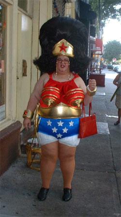 http://chud.com/nextraimages/Wonder-Womancrisis.jpg