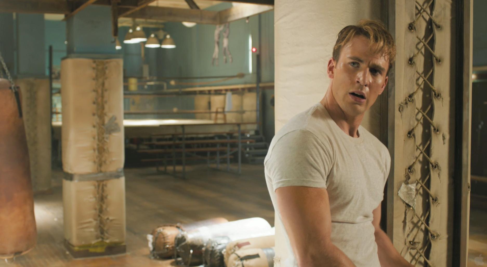 http://www.chud.com/wp-content/uploads/2012/08/Chris-Evans-The-Avengers-Captain-America-2.jpeg