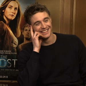Max-Irons-Jake-Abel-Interview-Host-28858915