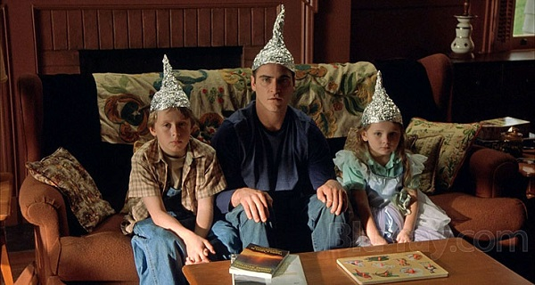signs-tinfoil-hats