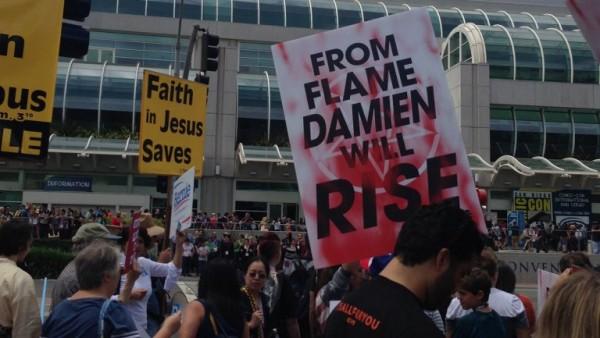 damien the omen comic-con
