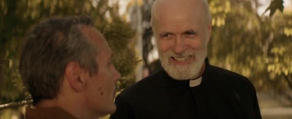 If Tom Noonan makes this face at you, run!